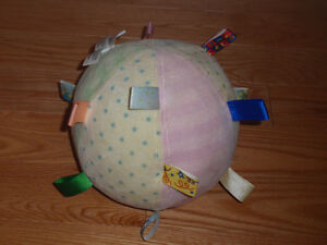 Taggies Chime Ball for babies