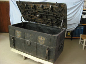 Antique ( 18th century ), Southern German Strongbox