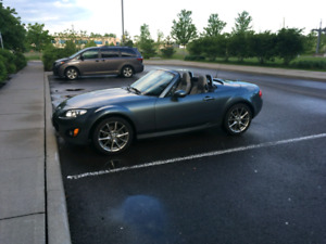 2011 mazda miata special edition with heated seats and more