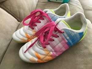 Girls size 3 soccer shoes