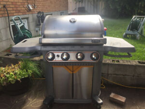 BBQ for sale - Propane - working condition