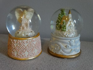 10 snow globes and musical boxes Cornwall Ontario image 3