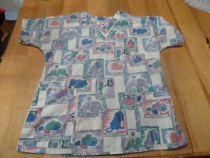 Women's Scrub Top Size Medium Cartoon Medical Animals Kingston Kingston Area image 1