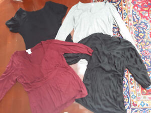 Lot of maternity clothes m-L-xl/ Lot de vêtements de maternité