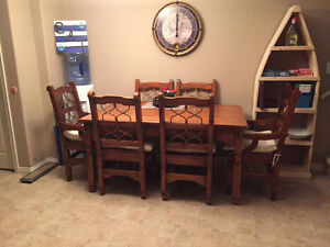 Buy or sell dining table sets in red deer furniture for Matching living room and dining room furniture