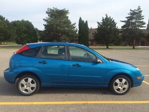 2007 Ford Focus SES - Fully loaded leather & sunroof!