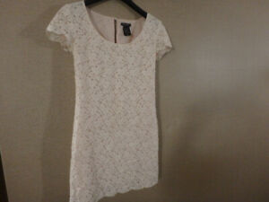 Gorgeous ARITZIA TALULA Lace Dress - Spotlessly Clean