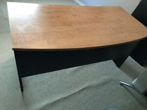 PROFESSIONAL QUALITY OFFICE DESK
