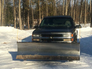 1999 Chevrolet Tahoe with plow
