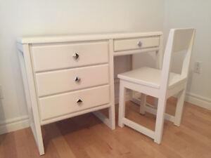 Chaise et bureau blanc Pupître ou maquilleuse