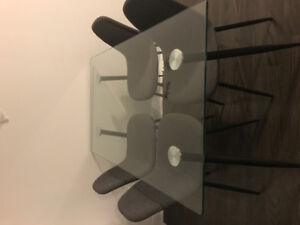 new dining table + 4 chairs in gray fabric