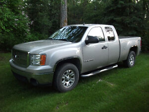 2008 GMC Sierra 1500 SLE 4x4 Pickup Truck  MUST SELL