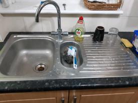 Kitchen sink 1.5 bowl