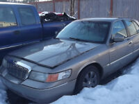 2001 Mercury Grand Marquis prope Berline