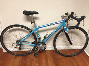 GIANT OCR3 ROAD BIKE*perfect condition* $700 OBO