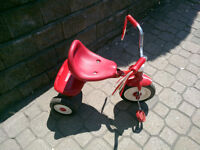 Tricycle rouge à vendre