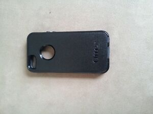 Original OtterBox Defender Case for Apple iPhone 5s
