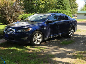 2011 Ford Taurus SHO Berline 4x4