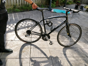 Specialized sirrus. Mint condition - frame L