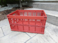 Red sturdy Collapsible Storage Crate -- In Excellent Shape