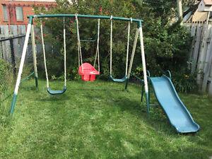Parc extérieur pour enfants