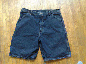 7 pairs of men's shorts for sale