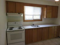 Spotless 2 bedroom apt available Now, $820+ HH