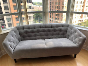 Light grey quilted 3 seater modern sofa STRUCTUBE