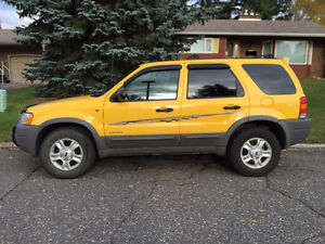 2001 Ford Escape SUV, Crossover - Great Winter Vehicle