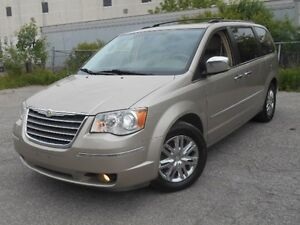 2008 Chrysler Town & Country Limited, NAV, BACK-UP CAM, DVD, LEA