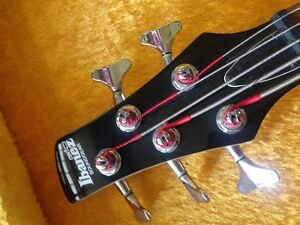 5 string Ibanez bass with case like new Stratford Kitchener Area image 3