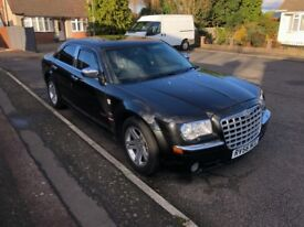 Chrysler 300crd in black mint condition auto sat nav