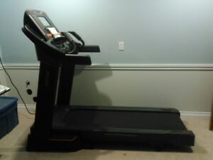 AFG 5.3 AT Treadmill