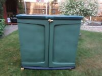 Outdoor garden storage unit