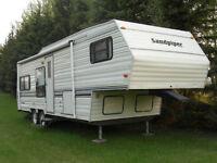 1992 Sandpiper 17.5' 5th wheel travel trailer Watch Share  Print