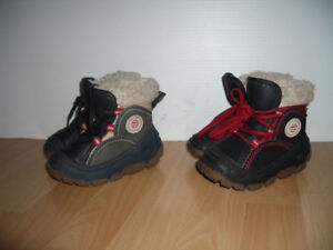 """Boots """" OLANG """" good condition --- sizes 21/22  et   23 / 24"""