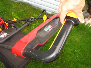 "20"" lawnmower 3 in 1  Homelite Gatineau Ottawa / Gatineau Area image 5"