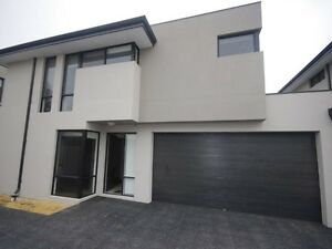 Luxurious Townhouse Close to the City Rivervale Belmont Area Preview