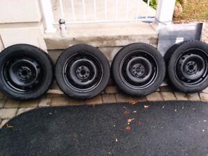 4 pneus HIVER + Roues 185 /55R15 Nokian Hakkapeliittas