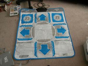Nintendo Wii, controller, dance pad, DDR games Kitchener / Waterloo Kitchener Area image 3