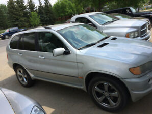 2001 BMW X5 - 4.4i - Well Kept - Loaded / Leather - Low KM