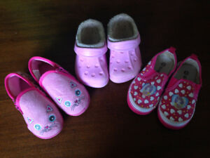 3 pairs of shoes - Size 8 - girl