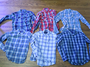 Lot of AE and Hollister Plaid shirts size M & S
