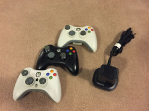 Xbox 360 controllers and charge kit