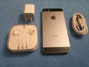 Brand new iphone 5s 32 gb. With accessories urgent sale