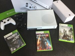 X Box One S 500gig + Ass Creed, Mass Effect, COD - 270$