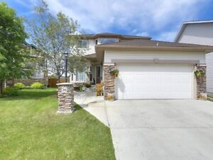 Stunning Family HOME For SALE in Okotoks***GREAT PRICE***