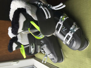 Woman's Rossingnol ski boots - 26.5.