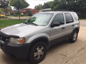 2003 Ford Escape SUV 4x4, with extra rims - $1800