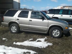 PARTS AVAILABLE FOR A 2000 CHEVY BLAZER 4DR